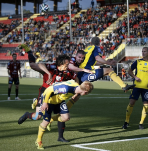 Winning a header against Ostersund.